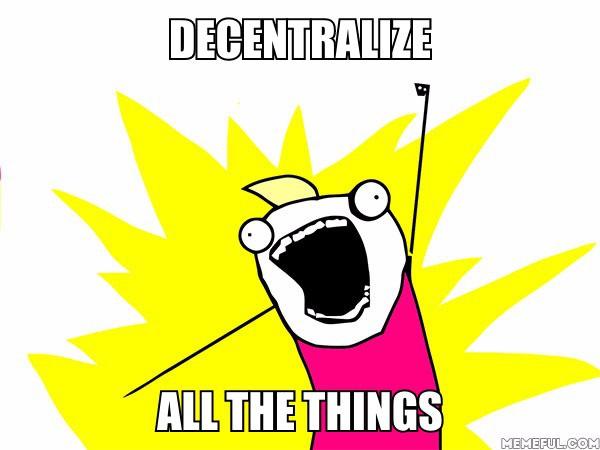 Dezentralisierung ist ein großer Punkt in der Datenschutz Debatte. Wenn jeder seine Daten selber hosten kann bzw. dort hat wo er will und dennoch am globalen Sozial-Geschehen teilnehmen kann ist das Ziel erreicht.